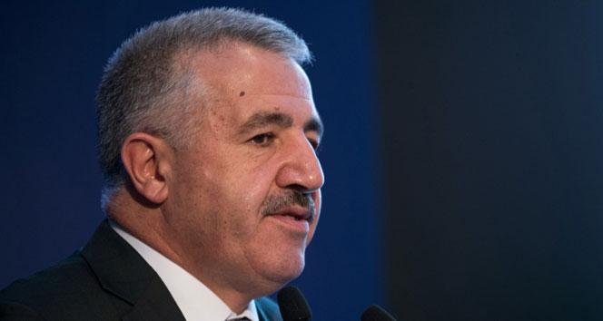 Bakan Arslan: 'Ak kadrolar Reisini bağrına basmaya hazır'