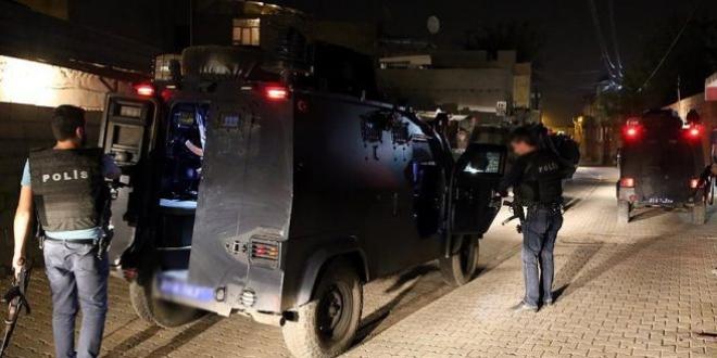 Diyarbakır'da kamu binalarına saldırı!